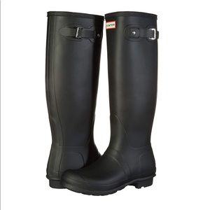 Hunter tall matte black rain boots